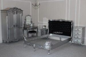 Set Tempat Tidur Mewah Silver