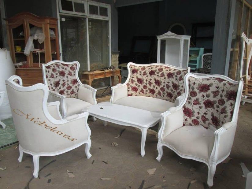 Sofa Tamu Putih Mewah