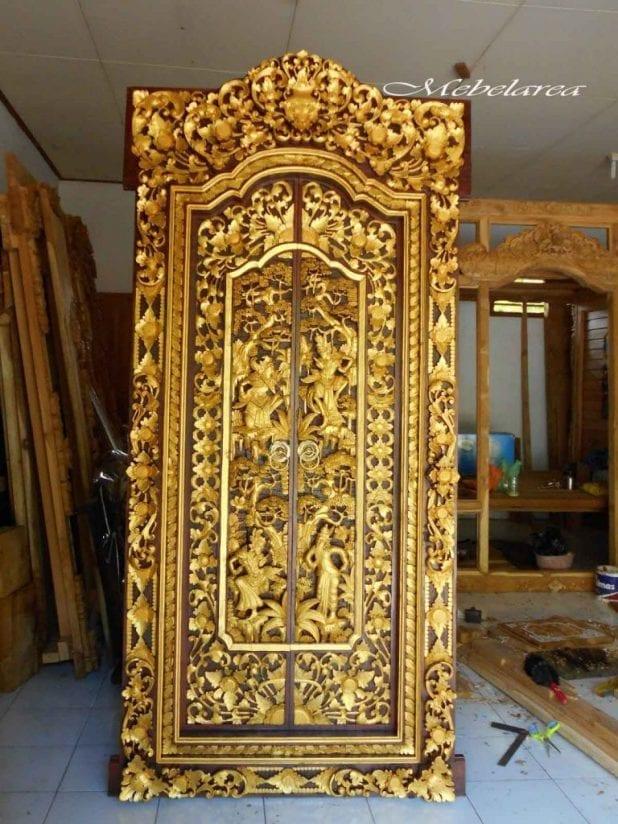 Pintu Gebyok Khas Bali
