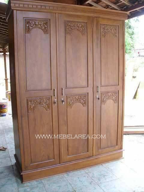 lemari pakaian 3 pintu