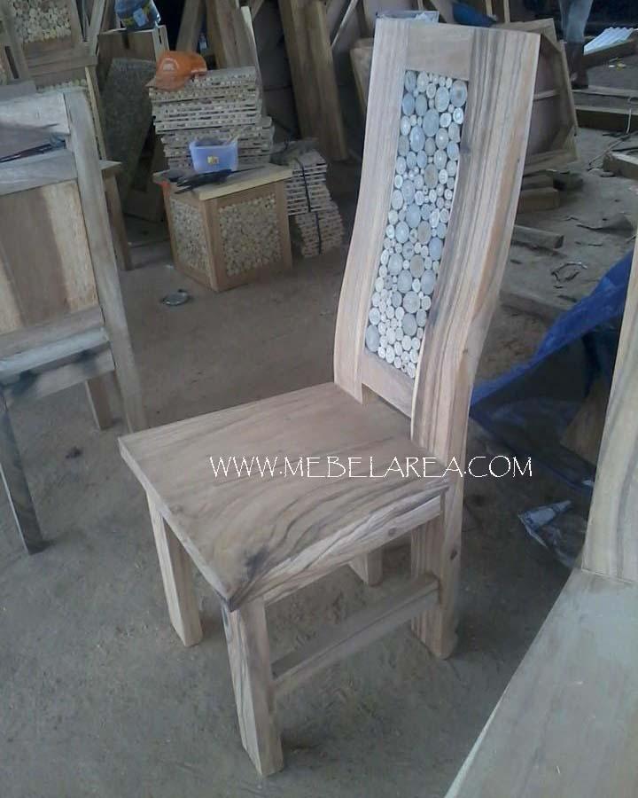 kursi makan, kursi makan minimalis, kursi makan trembesi, kursi makan kayu, kursi makan koin, kursi makan kayu modern