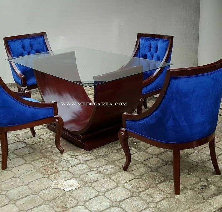 meja makan modern, meja makan jati, set meja makan kaca jati, sek kursi makan modern, kursi makan jok busa