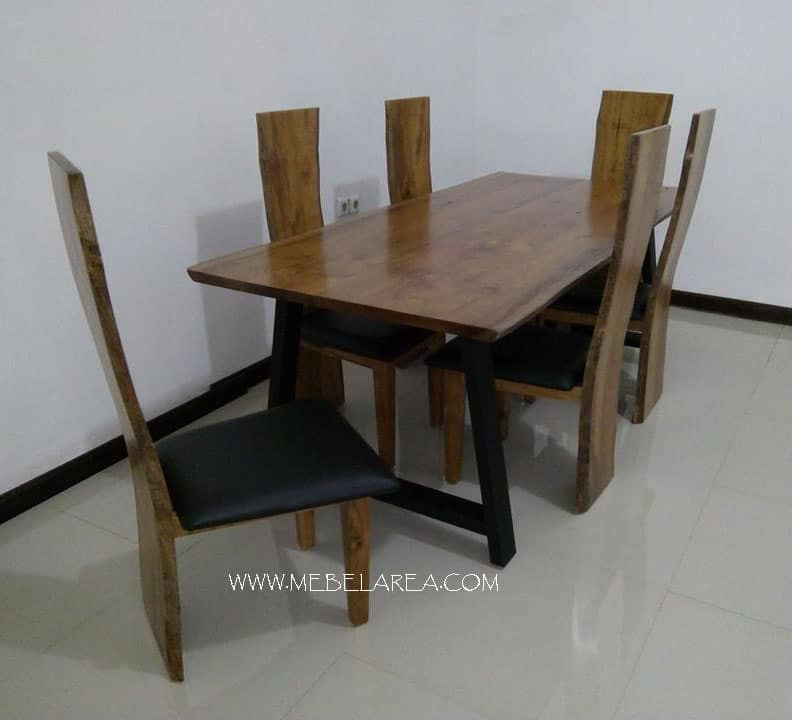 meja kayu meh, kursi kayu meh, kursi makan, meja makan trembesi