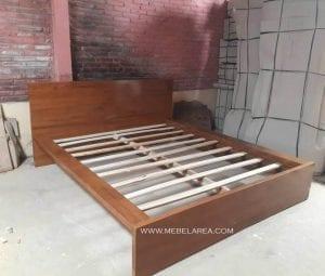 Tempat Tidur Jati Simple