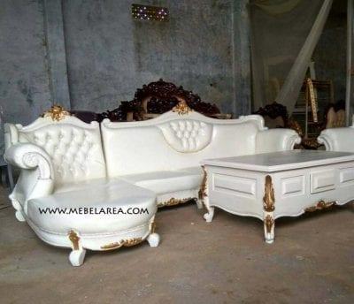 Set Sofa Tamu Sudut Ukir Mewah Model Eropa