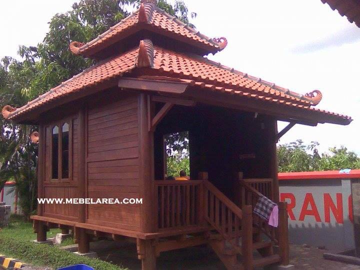 Rumah Gazebo Kayu Kecil