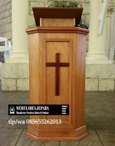 Podium Gereja