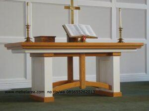 Meja Altar Gereja Cat Duco Putih