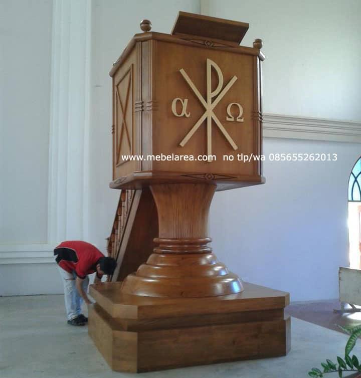 Podium Gereja HKBP Kayu Jati